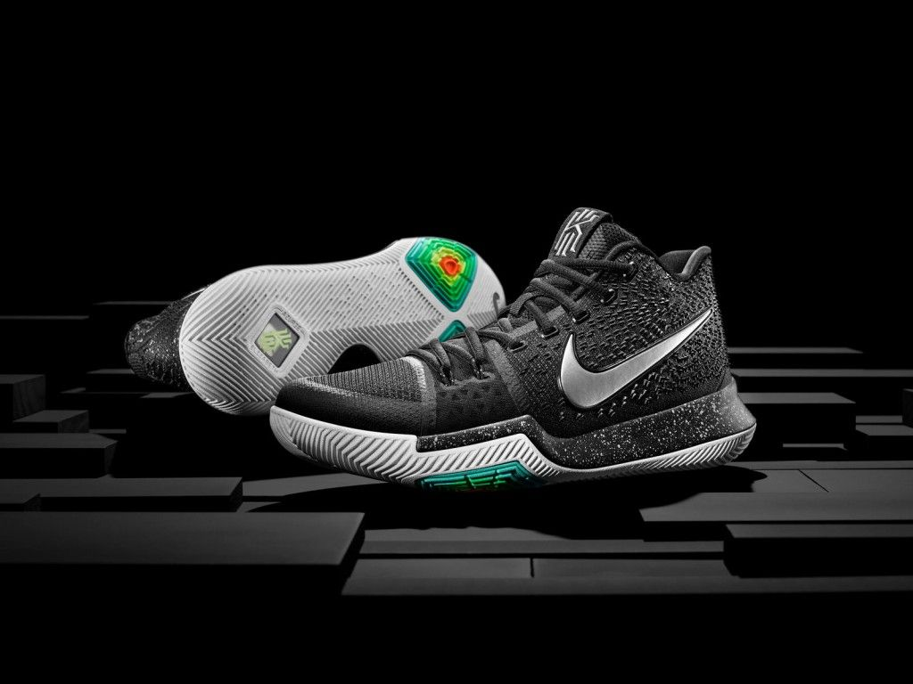 16-400_nike_kyrie_hero_pair-01_native_1600